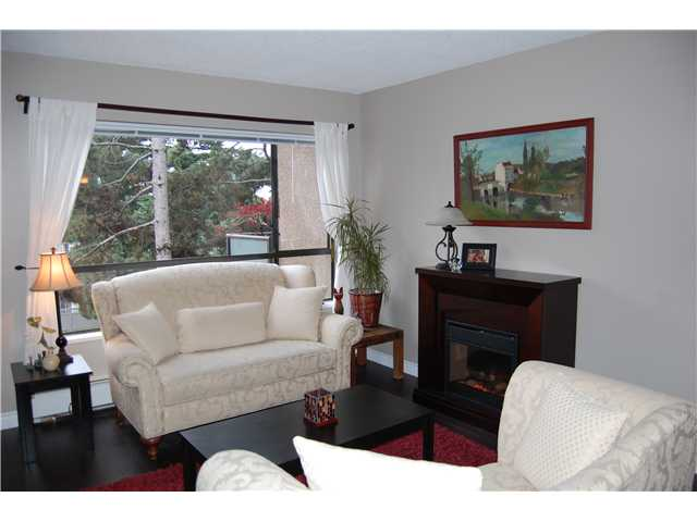 "Main Photo: 220 210 W 2ND Street in North Vancouver: Lower Lonsdale Condo for sale in ""VIEWPOINT"" : MLS®# V924924"