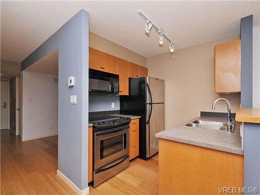 Photo 2: 1503 751 Fairfield Road in VICTORIA: Vi Downtown Condo Apartment for sale (Victoria)  : MLS(r) # 351361