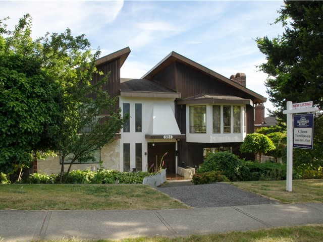 Photo 1: Photos: 321 W 14TH Street in North Vancouver: Central Lonsdale House for sale : MLS® # V1128973