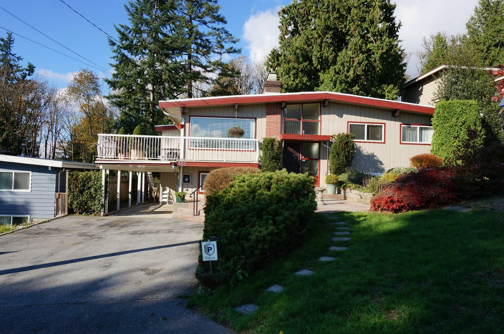 "Main Photo: 350 SEAFORTH Crescent in Coquitlam: Central Coquitlam House for sale in ""Austin Heights"" : MLS® # R2011370"