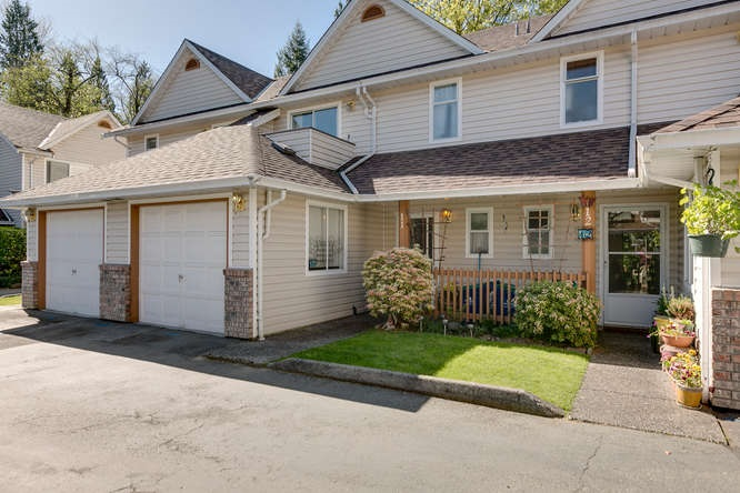 "Main Photo: 11 20699 120B Avenue in Maple Ridge: Northwest Maple Ridge Townhouse for sale in ""THE GATEWAY"" : MLS® # R2054939"