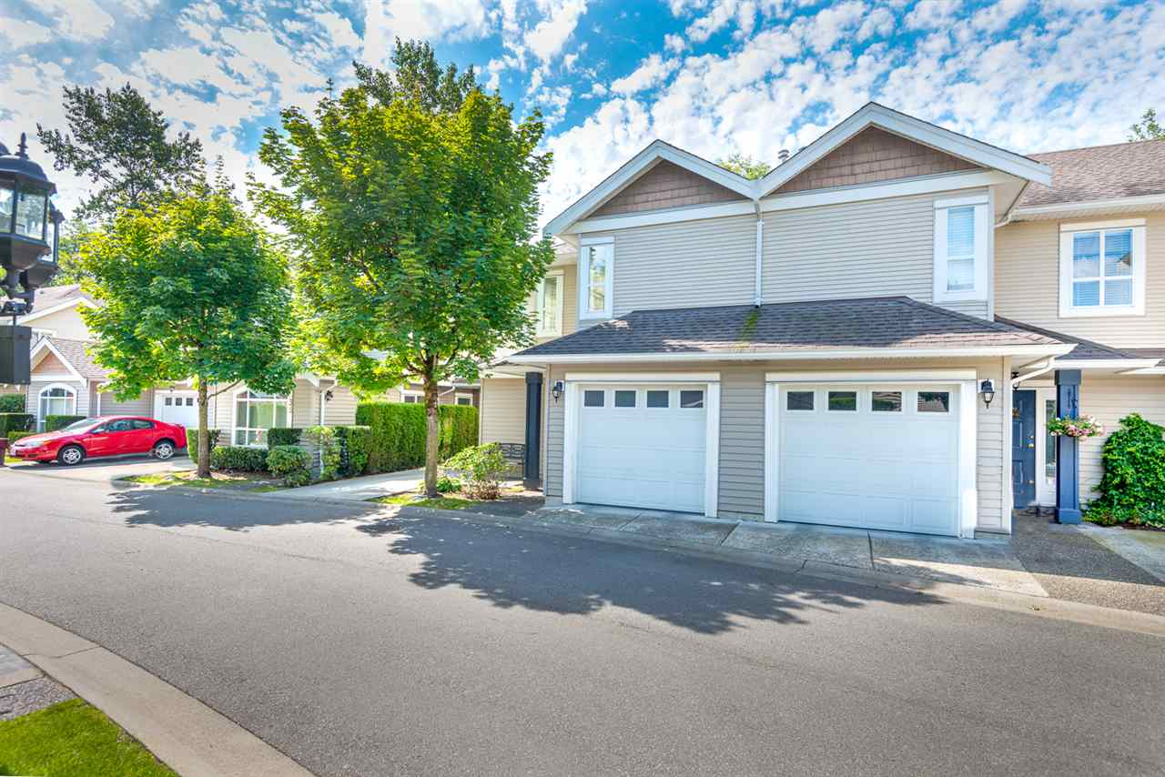 "Main Photo: 18 6513 200 Street in Langley: Willoughby Heights Townhouse for sale in ""LOGAN CREEK"" : MLS®# R2086753"