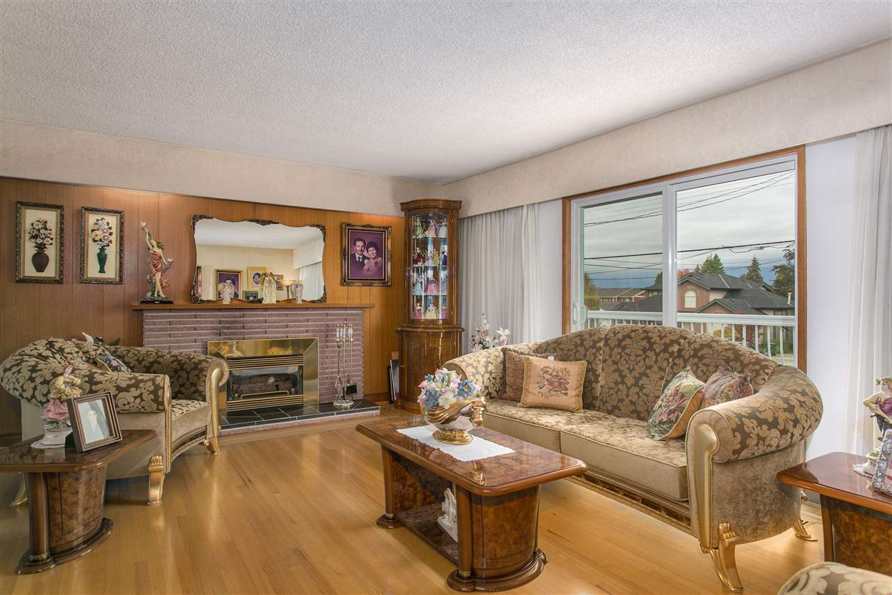 Photo 2: 5490 HARDWICK Street in Burnaby: Central BN House for sale (Burnaby North)  : MLS® # R2120515