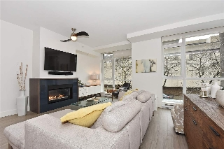 "Main Photo: 2360 PINE Street in Vancouver: Fairview VW Townhouse for sale in ""CAMERA"" (Vancouver West)  : MLS® # R2142760"