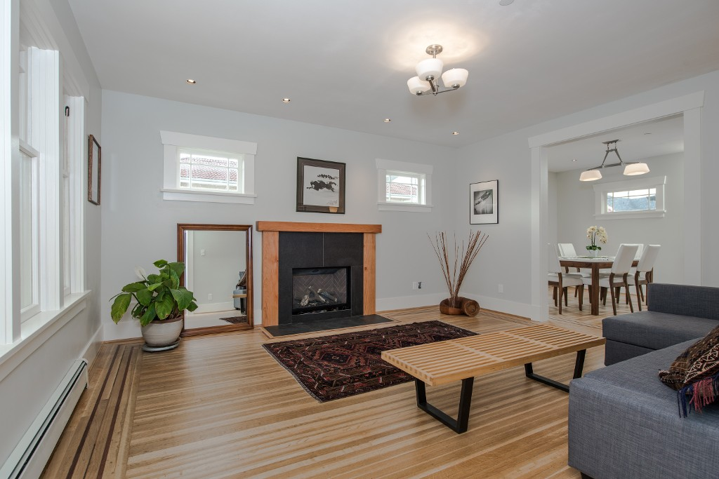 Photo 2: Photos: 1677 E 22ND Avenue in Vancouver: Victoria VE House for sale (Vancouver East)  : MLS® # R2147820