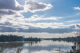 "Main Photo: 309 22327 RIVER Road in Maple Ridge: West Central Condo for sale in ""REFLECTIONS ON THE RIVER"" : MLS®# R2151843"