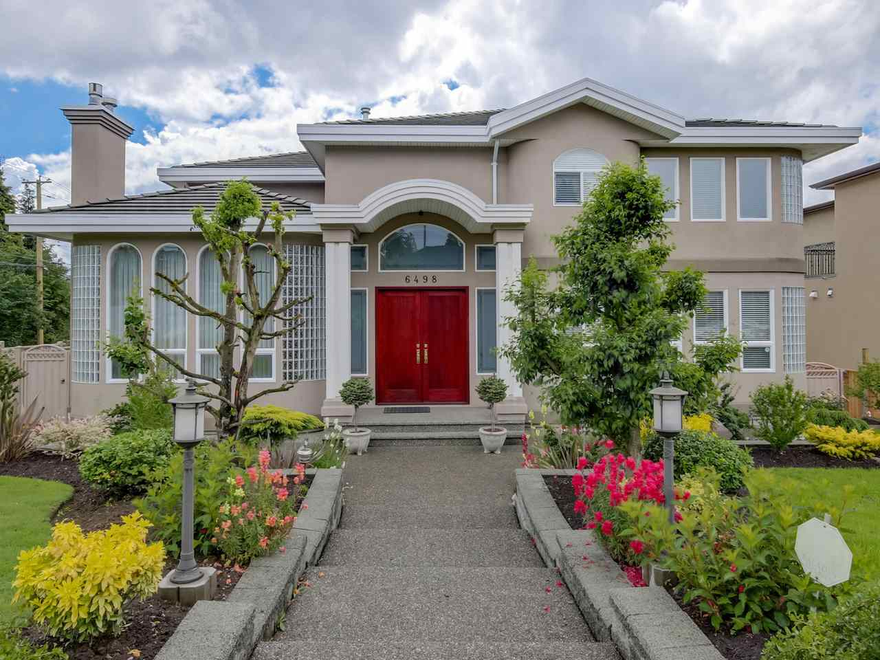 Main Photo: 6498 BUCHANAN Street in Burnaby: Parkcrest House for sale (Burnaby North)  : MLS® # R2156910