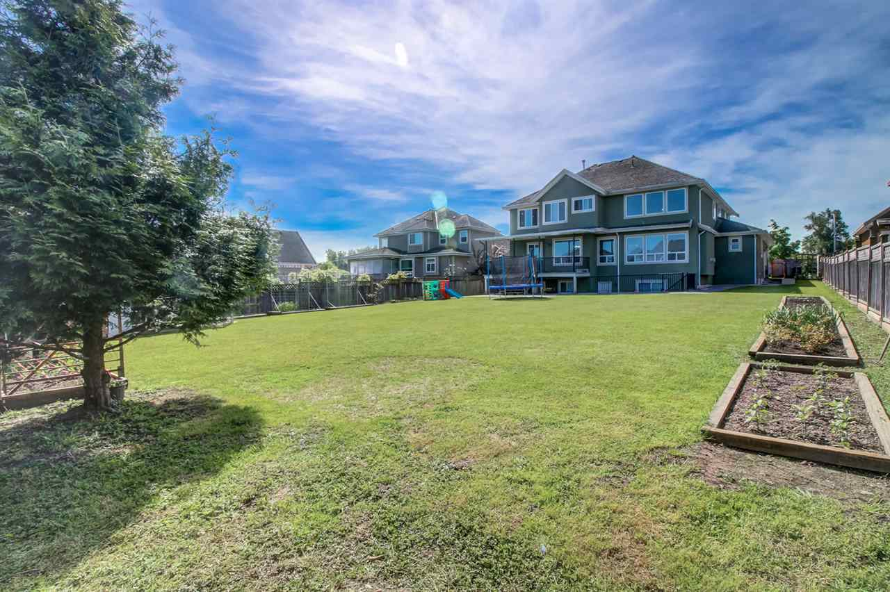 Photo 18: Photos: 16443 86B Avenue in Surrey: Fleetwood Tynehead House for sale : MLS® # R2170027