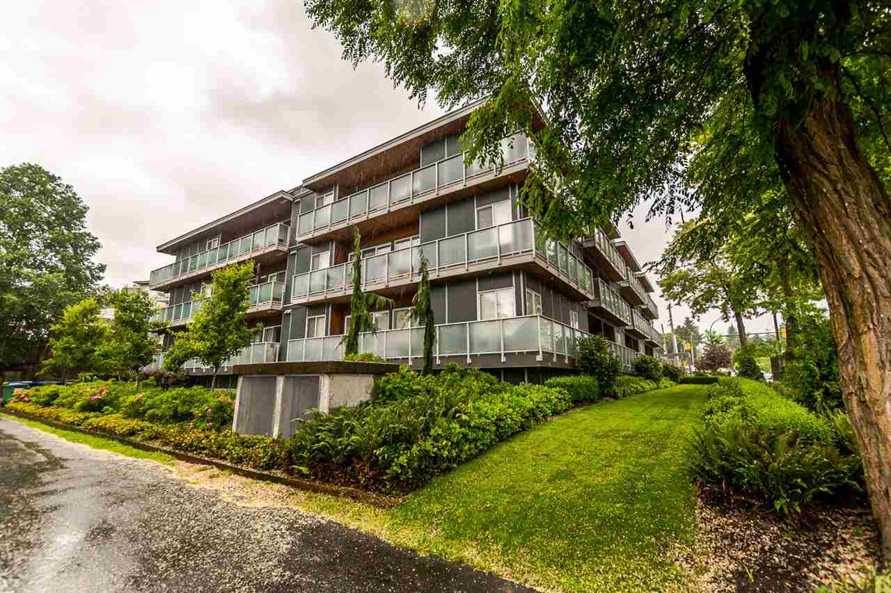 "Main Photo: 213 7377 14TH Avenue in Burnaby: Edmonds BE Condo for sale in ""VIBE"" (Burnaby East)  : MLS(r) # R2180199"