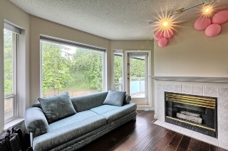 "Main Photo: 303 2855 152 Street in Surrey: King George Corridor Condo for sale in ""TRADEWINDS"" (South Surrey White Rock)  : MLS(r) # R2180785"