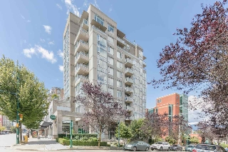 "Main Photo: 403 2483 SPRUCE Street in Vancouver: Fairview VW Condo for sale in ""SKYLINE"" (Vancouver West)  : MLS(r) # R2189151"