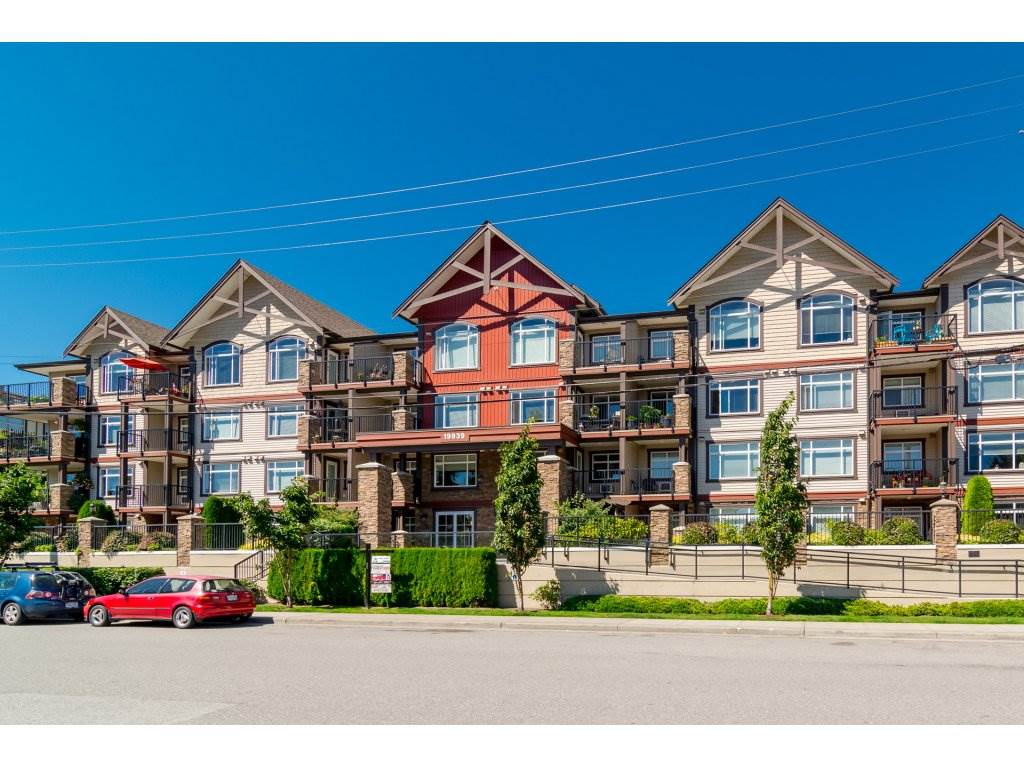 "Main Photo: 102 19939 55A Avenue in Langley: Langley City Condo for sale in ""Madison Crossing"" : MLS®# R2192400"
