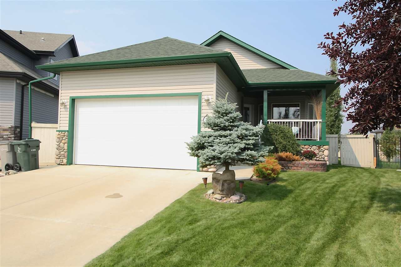 Main Photo: 32 Willowbend Place: Stony Plain House for sale : MLS® # E4078639