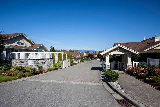 "Main Photo: 63 20751 87 Avenue in Langley: Walnut Grove Townhouse for sale in ""Summerfield"" : MLS® # R2211138"
