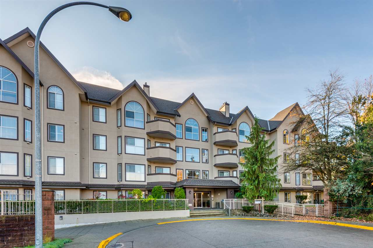 "Main Photo: 313 12464 191B Street in Pitt Meadows: Mid Meadows Condo for sale in ""Laseur Manor"" : MLS® # R2218889"