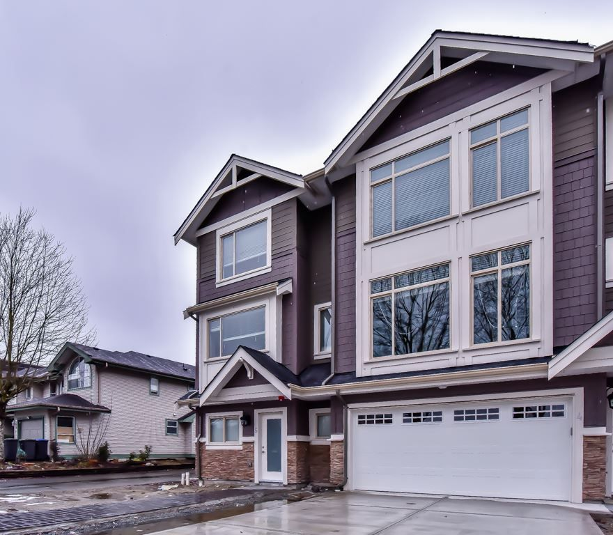 "Main Photo: 5 3126 WELLINGTON Street in Port Coquitlam: Glenwood PQ Townhouse for sale in ""PARKSIDE"" : MLS® # R2242079"