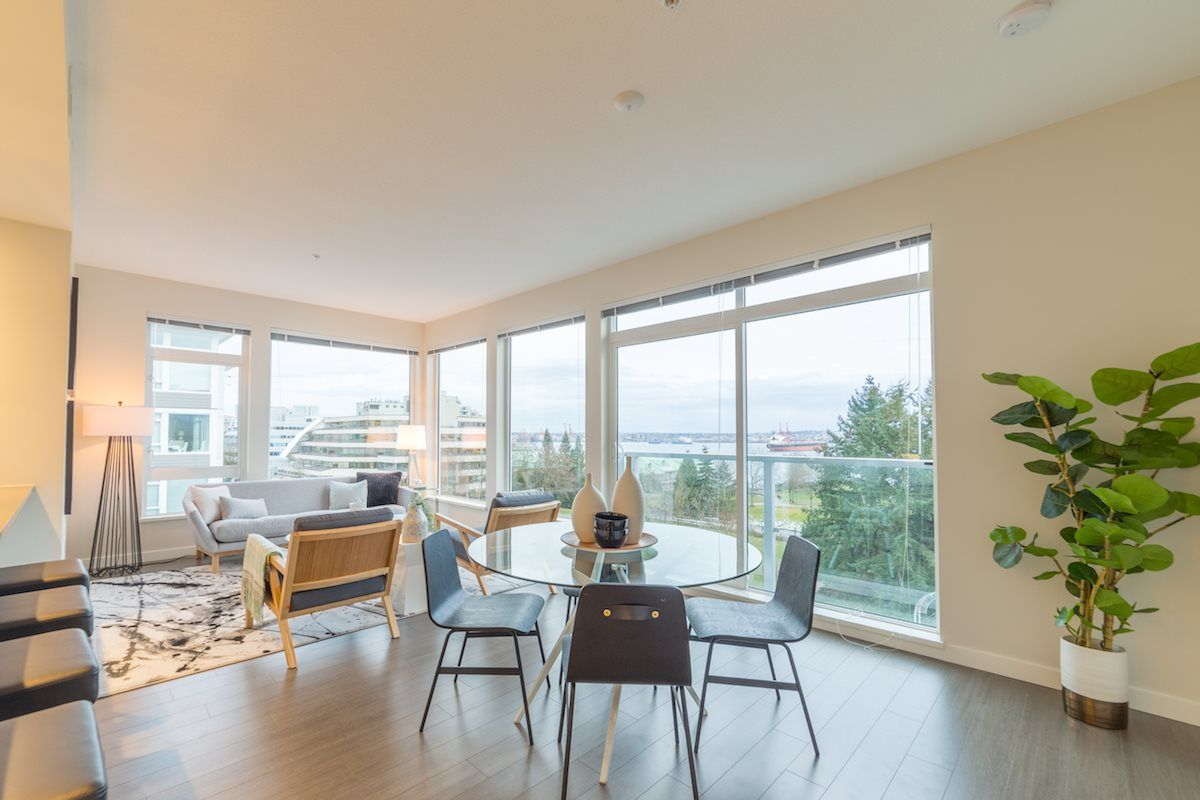 "Main Photo: 408 255 W 1ST Street in North Vancouver: Lower Lonsdale Condo for sale in ""WEST QUAY"" : MLS® # R2243258"