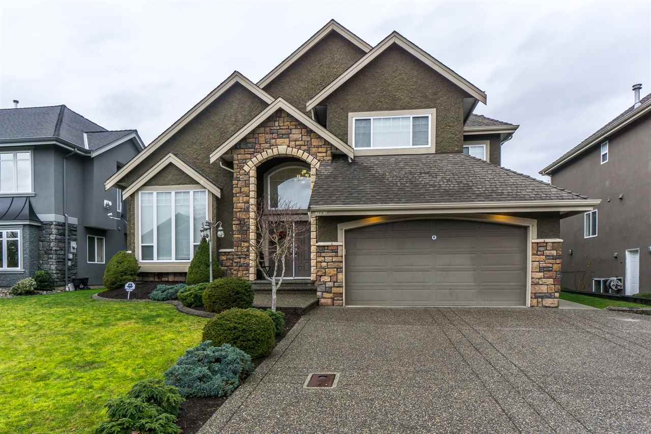 Main Photo: 3897 BRIGHTON Place in Abbotsford: Abbotsford West House for sale : MLS®# R2245973