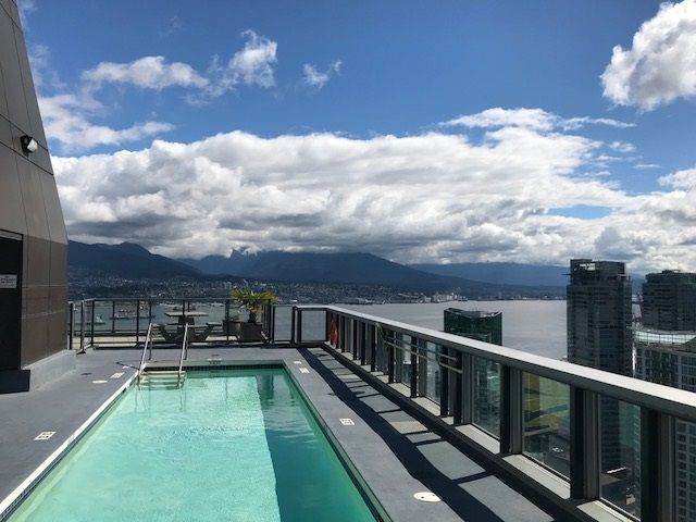 WORLD CLASS VIEWS from the 44th level common area roof top deck. There's an outdoor swimming pool and hot tub on the roof!
