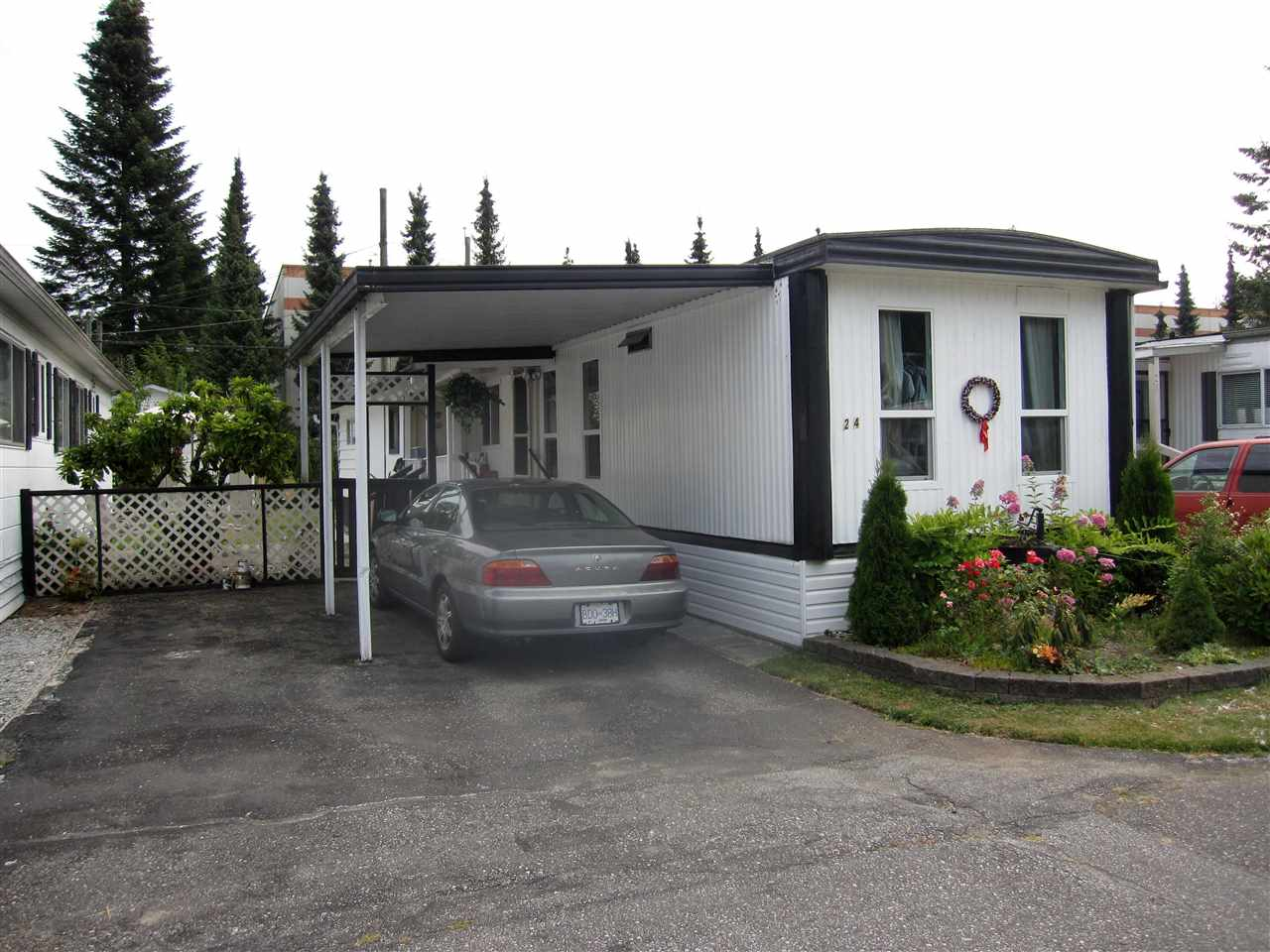 Main Photo: 24 21163 LOUGHEED Highway in Maple Ridge: Southwest Maple Ridge Manufactured Home for sale : MLS®# R2297032