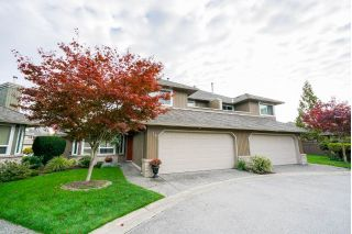 "Main Photo: 14 8560 162 Street in Surrey: Fleetwood Tynehead Townhouse for sale in ""Lakewood Green"" : MLS®# R2316711"