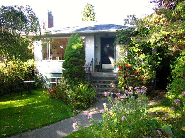 "Main Photo: 4423 W 7TH Avenue in Vancouver: Point Grey House for sale in ""POINT GREY"" (Vancouver West)  : MLS(r) # V916176"