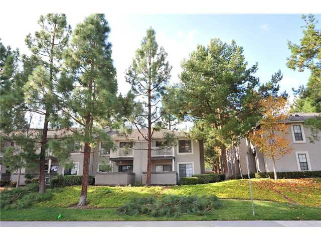 Photo 11: CARMEL MOUNTAIN RANCH Home for sale or rent : 1 bedrooms : 15016 Avenida Venusto #158 in San Diego