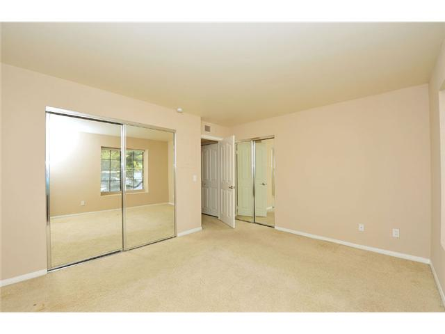 Photo 5: CARMEL MOUNTAIN RANCH Home for sale or rent : 1 bedrooms : 15016 Avenida Venusto #158 in San Diego