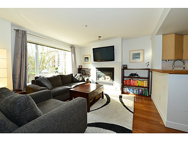 "Photo 4: 2778 CRANBERRY Drive in Vancouver: Kitsilano Townhouse for sale in ""ZYDECO"" (Vancouver West)  : MLS(r) # V1054203"