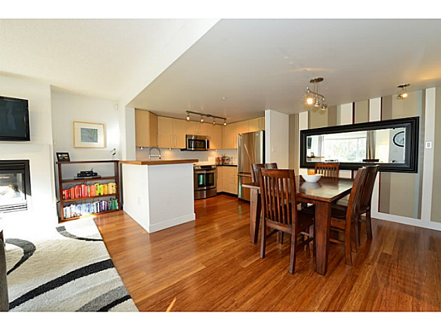 "Photo 5: 2778 CRANBERRY Drive in Vancouver: Kitsilano Townhouse for sale in ""ZYDECO"" (Vancouver West)  : MLS(r) # V1054203"
