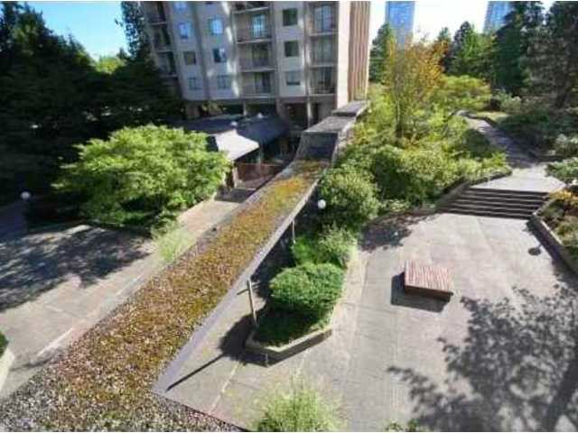 "Photo 8: 1705 9541 ERICKSON Drive in Burnaby: Sullivan Heights Condo for sale in ""ERICKSON TOWER"" (Burnaby North)  : MLS(r) # V1133219"