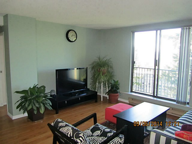 "Photo 2: 1705 9541 ERICKSON Drive in Burnaby: Sullivan Heights Condo for sale in ""ERICKSON TOWER"" (Burnaby North)  : MLS(r) # V1133219"