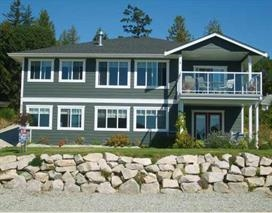 Main Photo: 6374 SAMRON Road in Sechelt: Sechelt District House for sale (Sunshine Coast)  : MLS® # R2002007