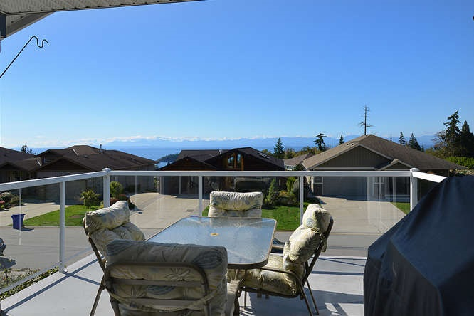 Photo 5: Photos: 6374 SAMRON Road in Sechelt: Sechelt District House for sale (Sunshine Coast)  : MLS® # R2002007
