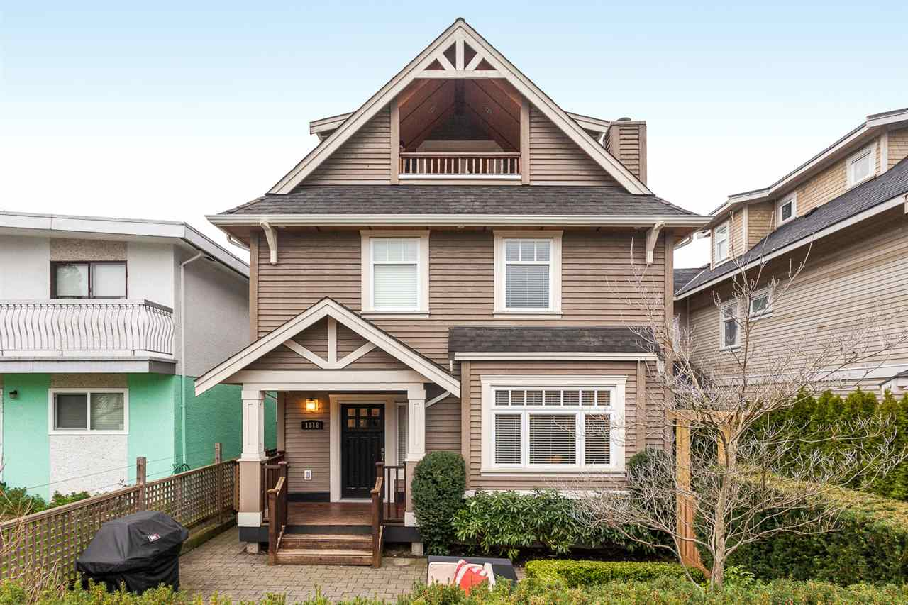 "Main Photo: 1818 CHARLES Street in Vancouver: Grandview VE House 1/2 Duplex for sale in ""COMMERCIAL DRIVE"" (Vancouver East)  : MLS® # R2042742"