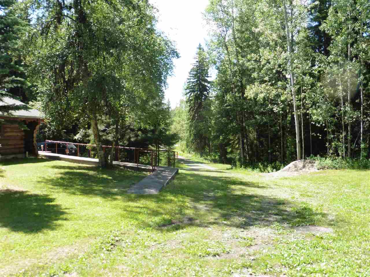 "Photo 6: Photos: 7280 CHILAKO Road in Prince George: Pineview House for sale in ""PINEVIEW"" (PG Rural South (Zone 78))  : MLS® # R2084754"