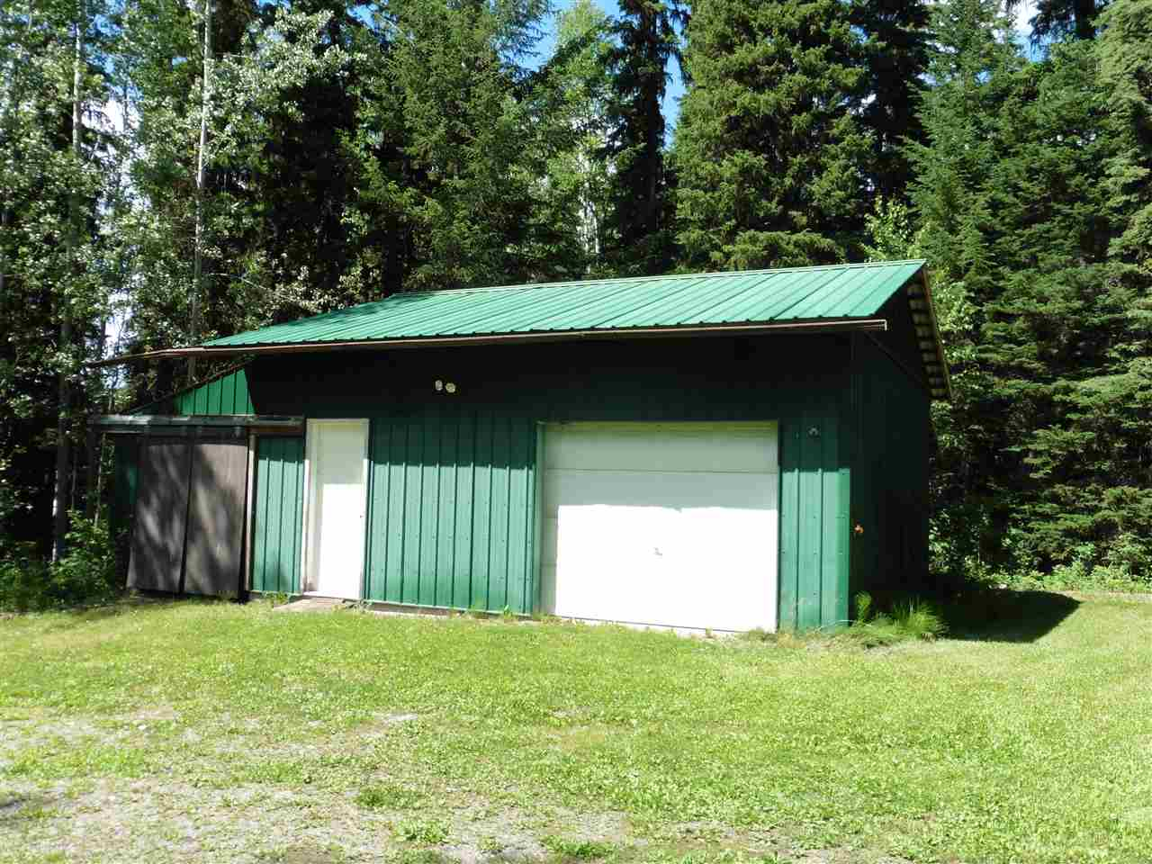 "Photo 3: Photos: 7280 CHILAKO Road in Prince George: Pineview House for sale in ""PINEVIEW"" (PG Rural South (Zone 78))  : MLS® # R2084754"