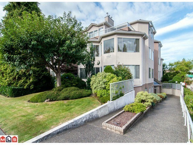 "Main Photo: 102 1327 BEST Street: White Rock Condo for sale in ""CHESTNUT MANOR"" (South Surrey White Rock)  : MLS®# R2093381"