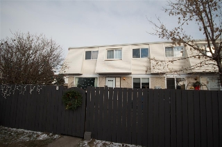 Main Photo: 8 650 Grandin Drive: Morinville Townhouse for sale : MLS(r) # E4045255