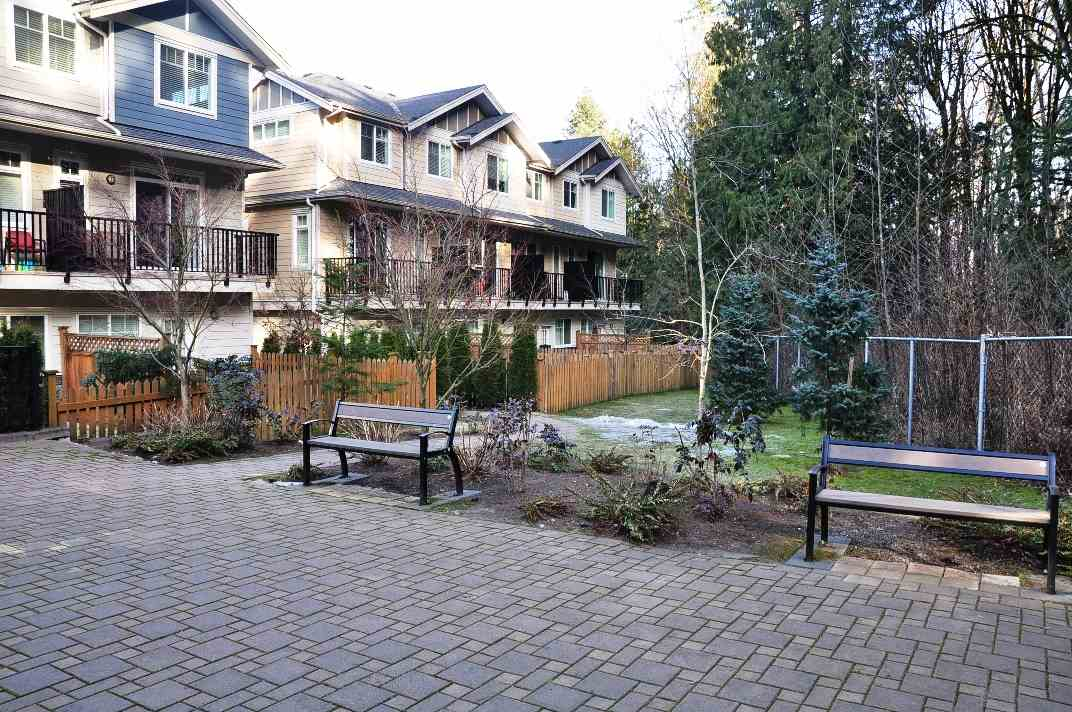 "Photo 6: 5 6383 140 Street in Surrey: Sullivan Station Townhouse for sale in ""PANORAMA WEST VILLAGE"" : MLS(r) # R2137891"
