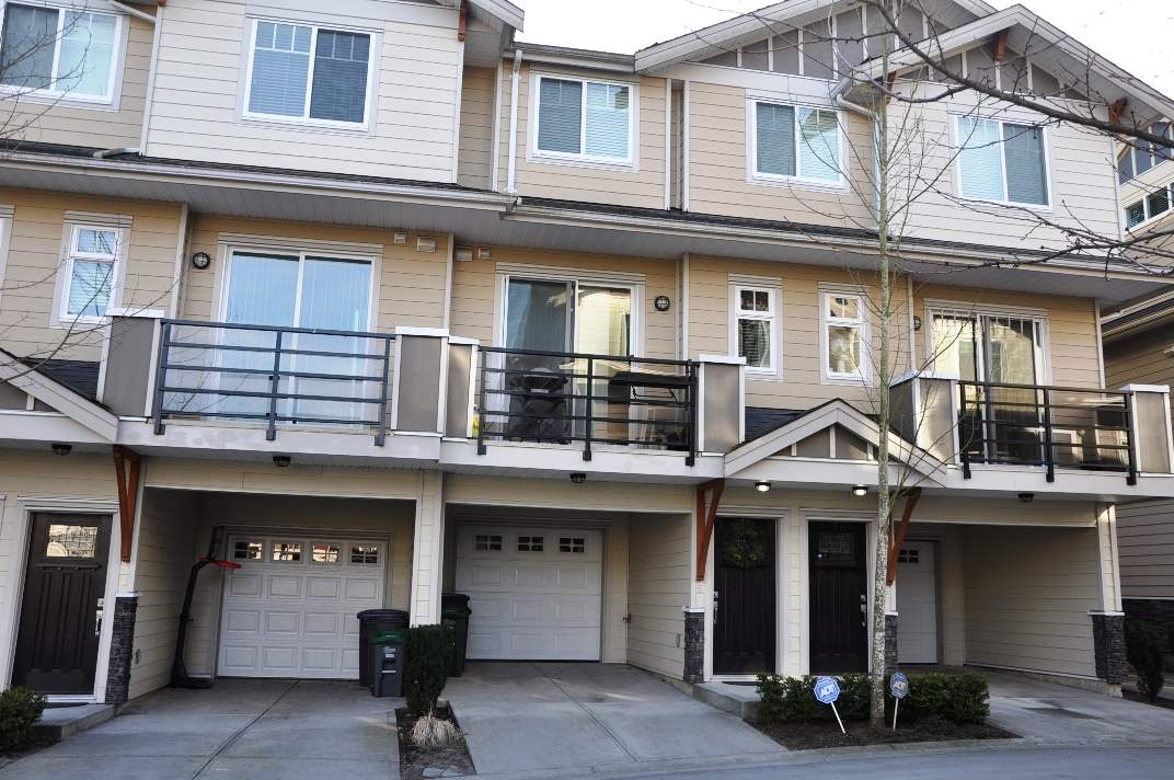 "Main Photo: 5 6383 140 Street in Surrey: Sullivan Station Townhouse for sale in ""PANORAMA WEST VILLAGE"" : MLS(r) # R2137891"