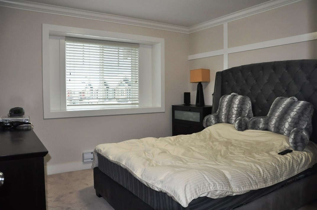 "Photo 9: 5 6383 140 Street in Surrey: Sullivan Station Townhouse for sale in ""PANORAMA WEST VILLAGE"" : MLS(r) # R2137891"