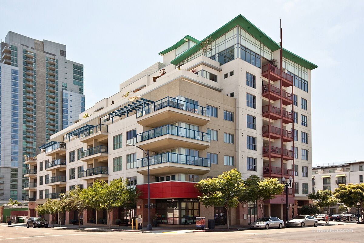 Main Photo: DOWNTOWN Apartment for rent : 0 bedrooms : 875 G St #212 in San Diego