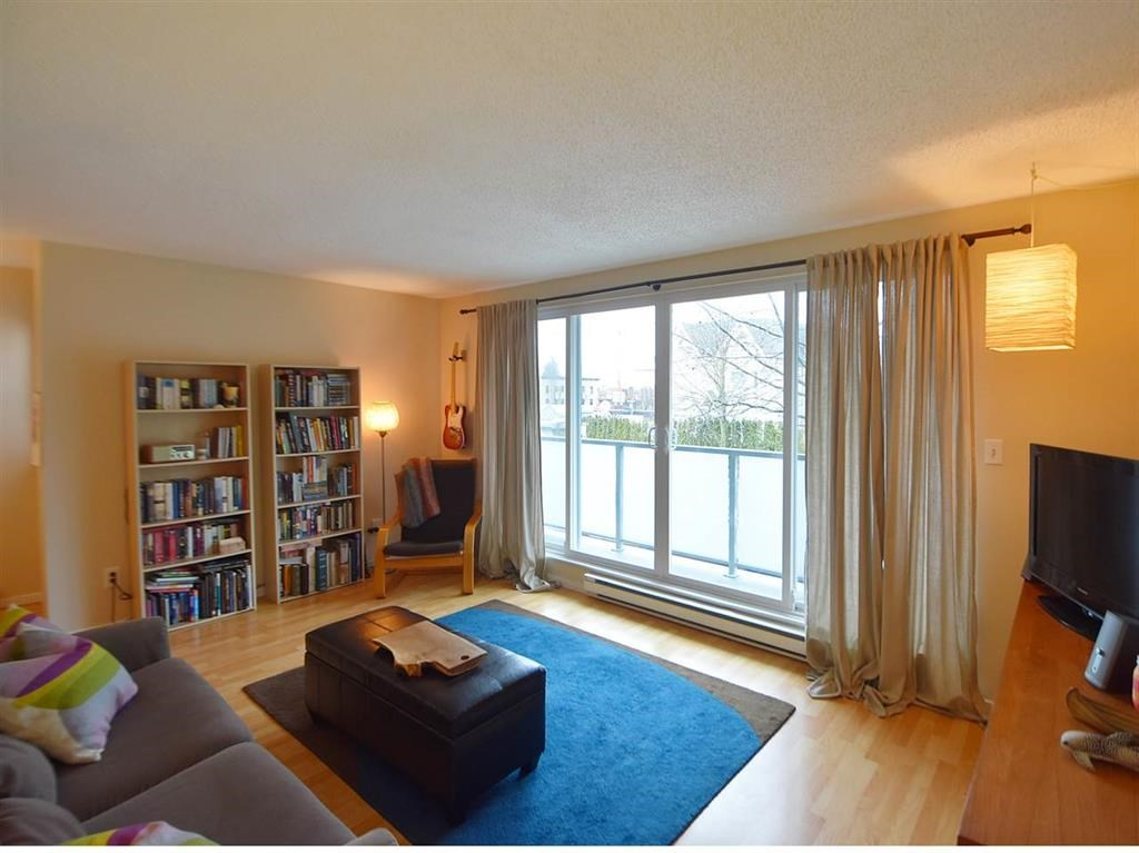 Main Photo: 2 224 E 12TH Avenue in Vancouver: Mount Pleasant VE Condo for sale (Vancouver East)  : MLS(r) # R2156909