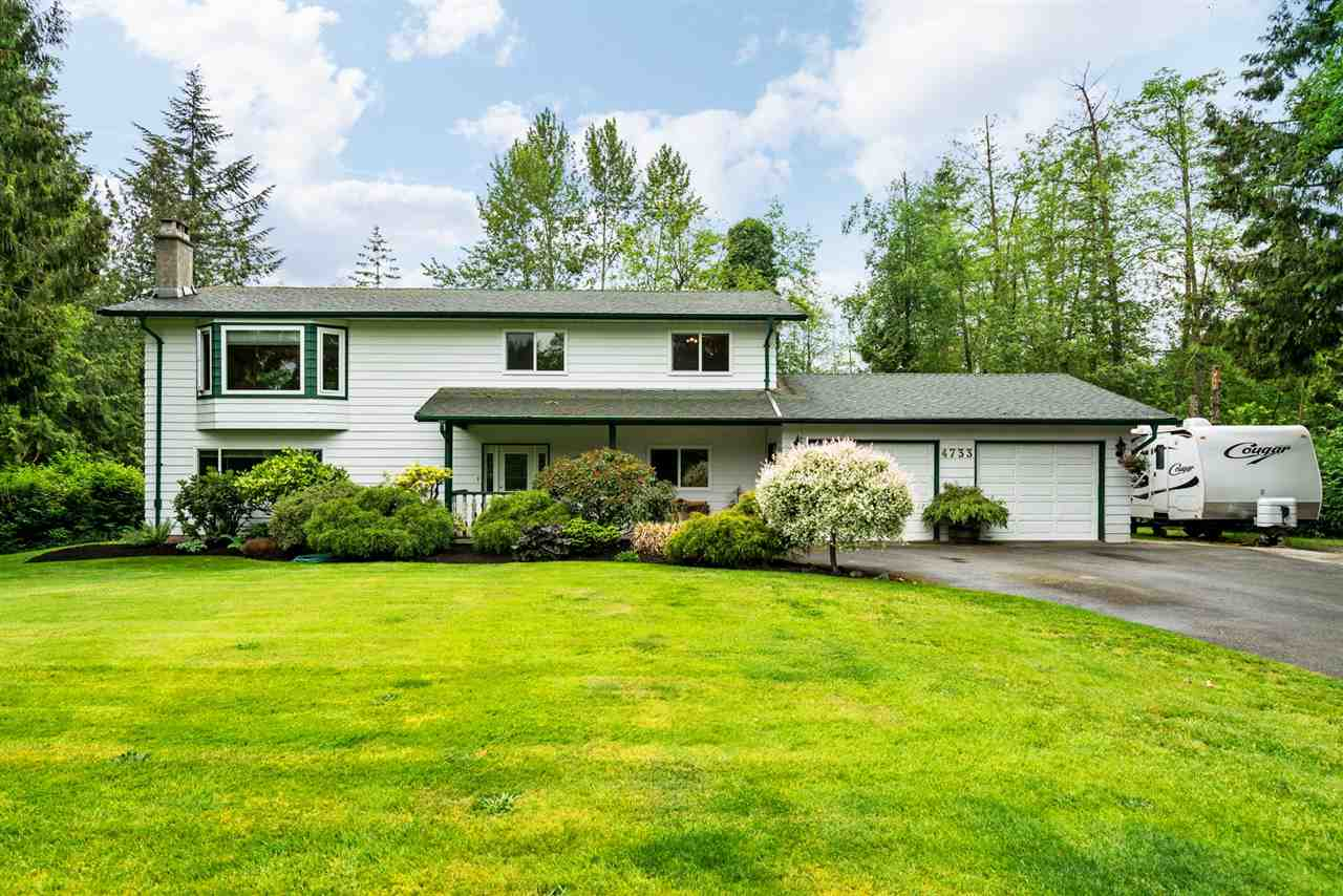 "Main Photo: 4733 SADDLEHORN Crescent in Langley: Salmon River House for sale in ""SALMON RIVER"" : MLS(r) # R2172074"