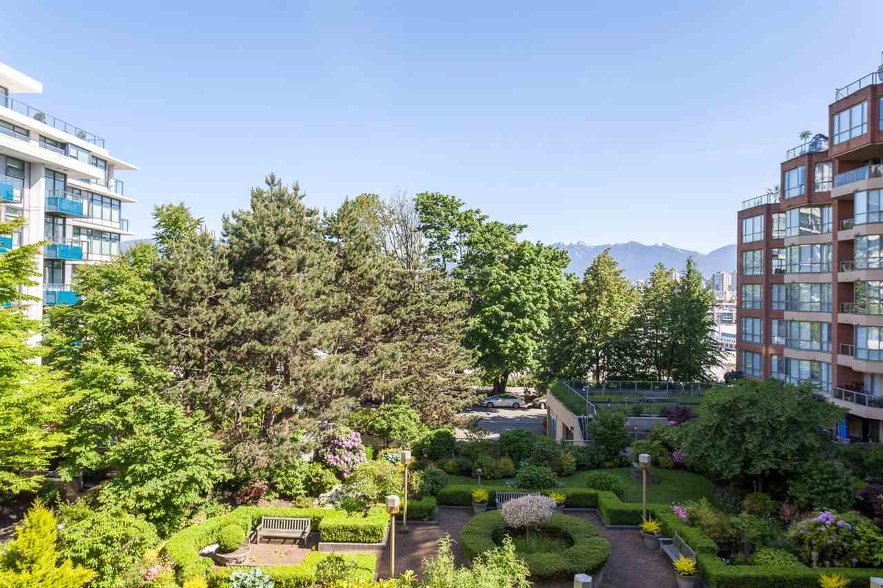 "Photo 17: 416 1707 W 7TH Avenue in Vancouver: Fairview VW Condo for sale in ""Santa Fe"" (Vancouver West)  : MLS® # R2175569"