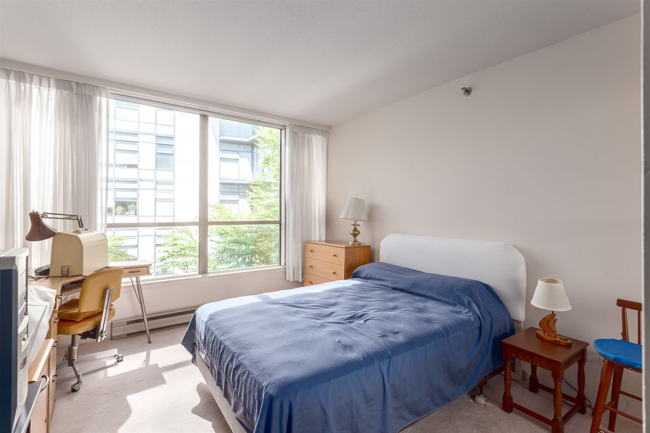 "Photo 14: 416 1707 W 7TH Avenue in Vancouver: Fairview VW Condo for sale in ""Santa Fe"" (Vancouver West)  : MLS® # R2175569"