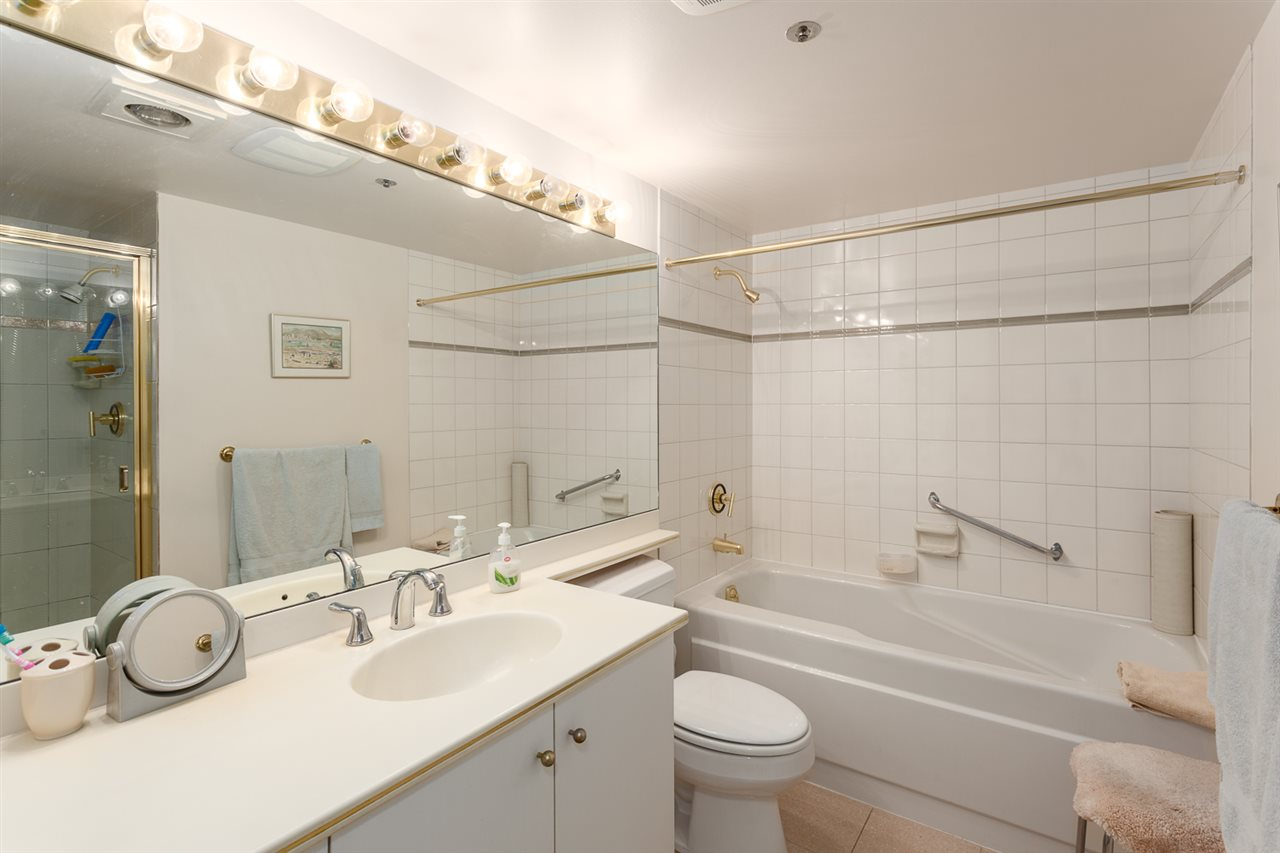 "Photo 12: 416 1707 W 7TH Avenue in Vancouver: Fairview VW Condo for sale in ""Santa Fe"" (Vancouver West)  : MLS® # R2175569"
