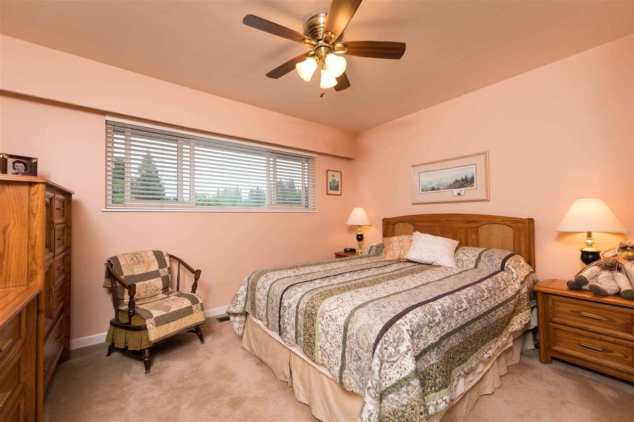 Photo 2: 1466 E 27 Street in North Vancouver: Westlynn House for sale : MLS® # R2176301