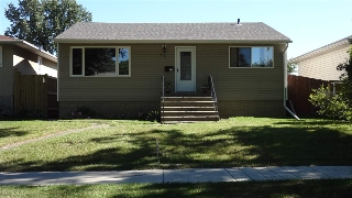 Main Photo: 9759 64 Avenue in Edmonton: Zone 17 House for sale : MLS(r) # E4069470